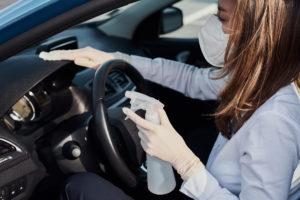 ¿Por qué es importante limpiar el interior de tu vehículo?
